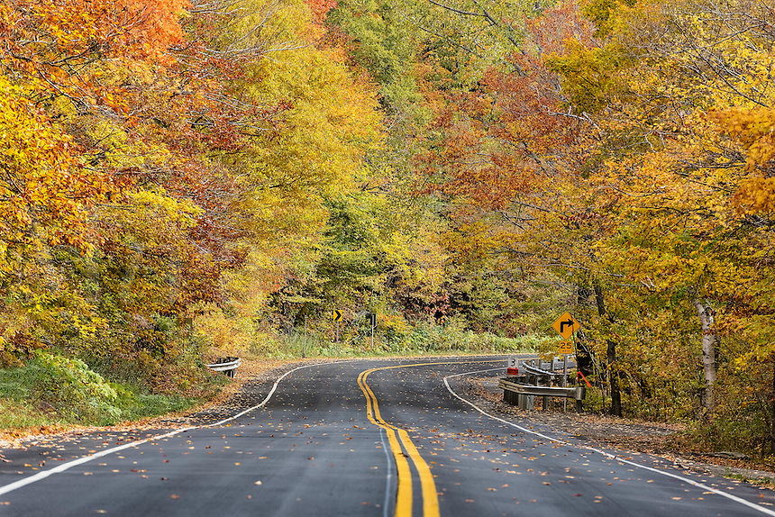 Autumn scenic byway, Vermont, USA.
