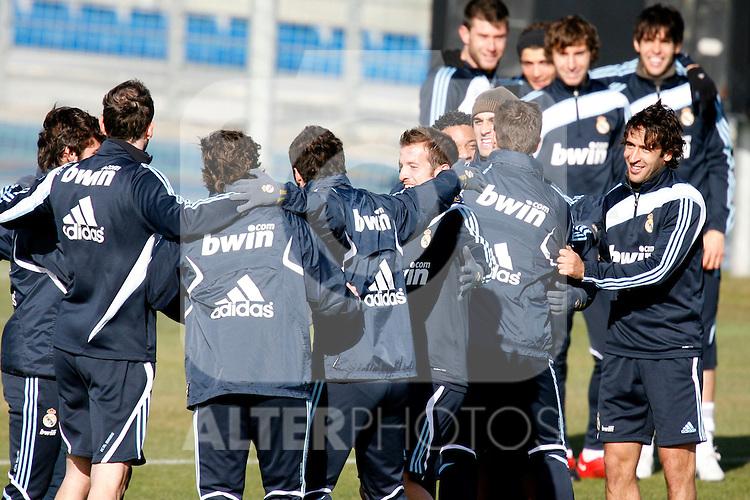 Madrid (24/02/10).-Entrenamiento del Real Madrid..Rafael Van der Vaart y Raul...© Alex Cid-Fuentes/ ALFAQUI..Madrid (24/02/10).-Training session of Real Madrid c.f..Rafael Van der Vaart and Raul...© Alex Cid-Fuentes/ ALFAQUI.