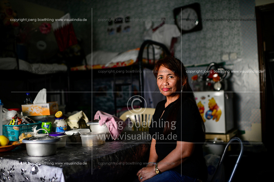 QATAR, Doha, migrant worker, sixty Filipino women live in small rooms in a house / KATAR, Doha, Gastarbeiter, sechzig philippinische Frauen leben auf engstem Raum in einem Haus
