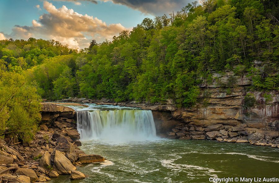 Cumberland Falls State Park, Kentucky: Sunset clouds over Cumberland Falls with the Cumberland River in spring
