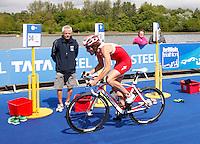 Photo: Richard Lane/Richard Lane Photography. GE Strathclyde Park Triathlon. 22/05/2011. Elite Men winner, Tim Don cycling.