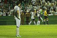 ATENCAO EDITOR FOTO EMBARGADA PARA VEICULO INTERNACIONAL - CURITIBA, PR, 17 DE OUTUBRO DE 2012 – CORITIBA X NÁUTICO – Jogadores do Coritiba comemoram ao fundo o gol de Deivid durante partida contra o Náutico válida pela 31ª rodada do Campeonato Brasileiro 2012. O jogo aconteceu na noite de quarta-feira (17) no Estádio Couto Pereira, em Curitiba. (FOTO: ROBERTO DZIURA JR./ BRAZIL PHOTO PRESS)