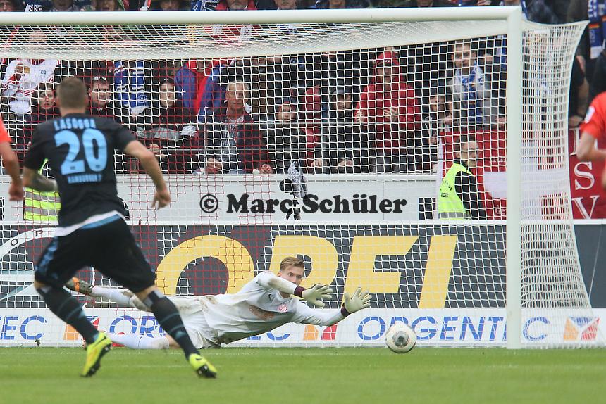 Loris Karius (Mainz) haelt den Schuss von Pierre-Michel Lasogga (HSV) - 1. FSV Mainz 05 vs. Hamburger SV, Coface Arena, 34. Spieltag