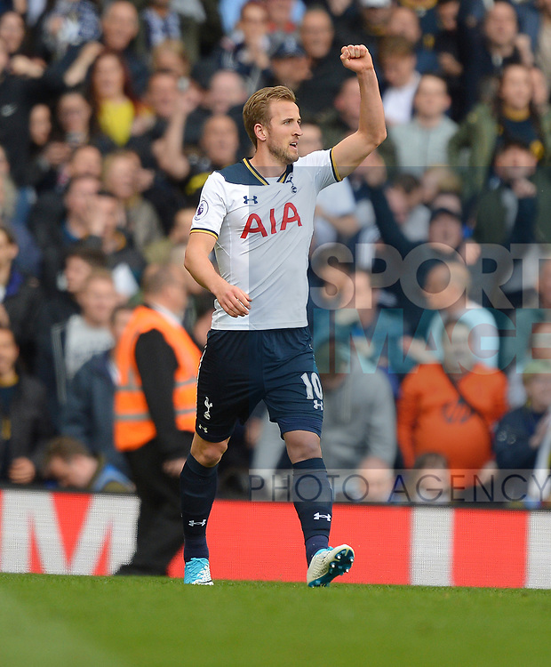 Harry Kane of Tottenham Hotspur Celebrates scoring his goal to make it 2-0 during the English Premier League match at the White Hart Lane Stadium, London. Picture date: April 30th, 2017.Pic credit should read: Robin Parker/Sportimage