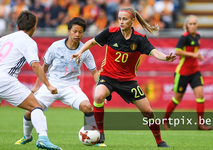 20170613 - LEUVEN ,  BELGIUM : Belgian Julie Biesmans (r) pictured with Japanese Mina Tanaka (middle) during the friendly female soccer game between the Belgian Red Flames and JAPAN , a friendly game in the preparation for the European Championship in The Netherlands 2017  , Tuesday 13 th June 2017 at Stadion Den Dreef  in Leuven , Belgium. PHOTO SPORTPIX.BE | DAVID CATRY