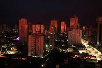 O sol nasce na rua dos mundurucus bairrto da crema&ccedil;&atilde;o.<br />Bel&eacute;m, Par&aacute;, Brasil<br />Foto Paulo Santos