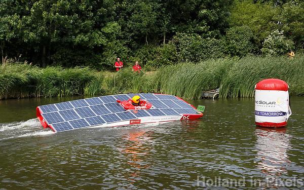 Nederland Purmerend -  23 juni  2018. Solar Boat Race. Tweedaags evenement in Purmerend met boten die varen op zonne-energie. Slalom.    Foto Berlinda van Dam Hollandse Hioogte