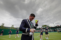 Ambience<br /> <br /> Tennis - The Championships Wimbledon  - Grand Slam -  All England Lawn Tennis Club  2013 -  Wimbledon - London - United Kingdom - Monday 24th June  2013. <br /> &copy; AMN Images, 8 Cedar Court, Somerset Road, London, SW19 5HU<br /> Tel - +44 7843383012<br /> mfrey@advantagemedianet.com<br /> www.amnimages.photoshelter.com<br /> www.advantagemedianet.com<br /> www.tennishead.net