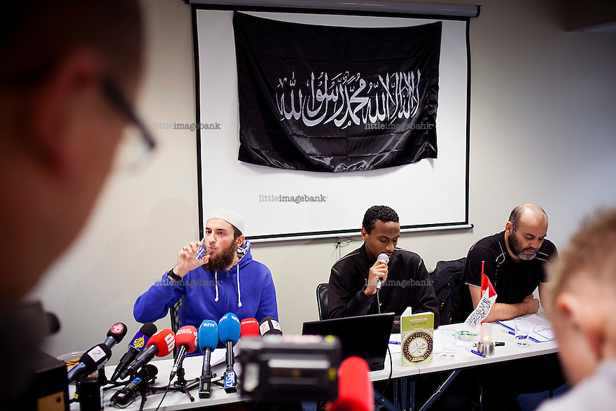 Oslo, Norge, 06.11.2012. Profeten Ummah holder pressekonferanse p&aring; Anker Hotel i Oslo. Foto: Christopher Olss&oslash;n.<br />