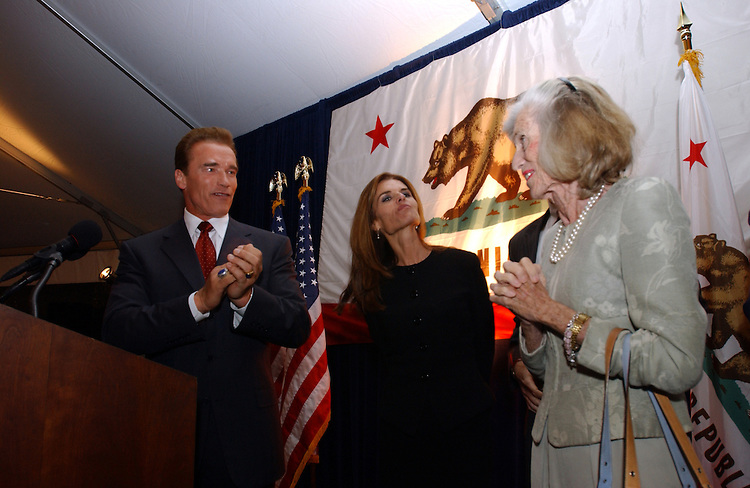 Governor-Elect Arnold Schwarzenegger his wife  Maria Shriver and Eunice Kennedy thank David Dreier and his California colleagues for hosting a reception to welcome the new Governor to Washington D.C..