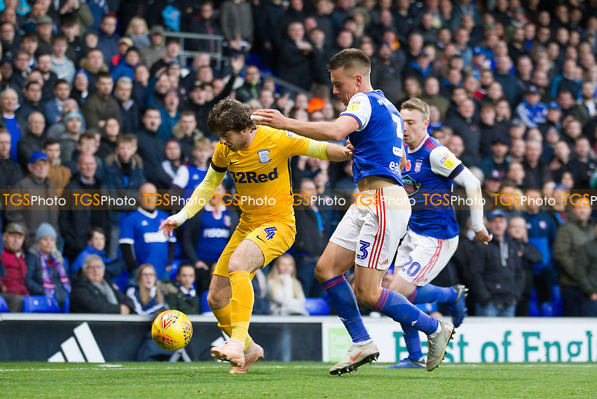 Ben Pearson of Preston North End shields the ball from Jonas Knudsen of Ipswich Town during Ipswich Town vs Preston North End, Sky Bet EFL Championship Football at Portman Road on 3rd November 2018