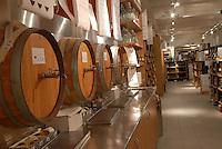 - Eataly, market for the sale of quality Italian food, the wine cellar<br /> <br /> - Eataly, market per la vendita del cibo italiano di qualit&agrave;, la cantina del vino