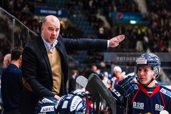 Stockholm 2013-12-13 Ishockey Hockeyallsvenskan Djurg&aring;rdens IF - IK Oskarshamn :  <br /> Djurg&aring;rden assisterande tr&auml;nare Stefan Nyman gestikuelrar i b&aring;set<br /> (Foto: Kenta J&ouml;nsson) Nyckelord:  portr&auml;tt portrait tr&auml;nare manager coach