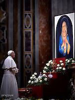 "Pope Francis prays in front of the image of Our Lady of Tears in Syracuse, During The ""To Dry the Tears"" vigil for people in suffering, to mark the Catholic feast of Ascension at the Saint Peter's Basilica in the Vatican. On May 5, 2016"