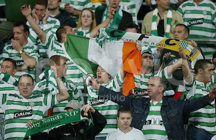 FUSSBALL Champions League 2003/2004  Gruppe A FC Bayern Muenchen 2-1 Celtic Glasgow Celtic Fans