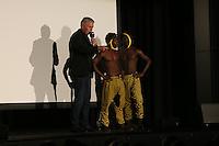Artisten-Duo Adesa aus Ghana (bekannt aus Das Supertaltent) mit Unternehmer Reiner Meutsch