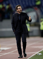 Calcio, Serie A: Roma, stadio Olimpico, 25 ottobre 2017.<br /> Roma's coach Eusebio Di Francesco speaks to his players during the Italian Serie A football match between AS Roma and Crotone at Rome's Olympic stadium, October 25, 2017.<br /> UPDATE IMAGES PRESS/Isabella Bonotto