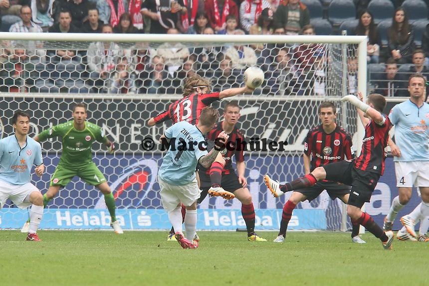 Schuss von Niki Zimling (Mainz) - Eintracht Frankfurt vs. 1. FSV Mainz 05