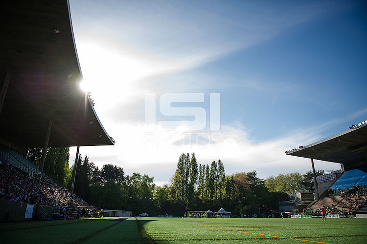 Seattle, WA - Sunday, April 17, 2016: The sun peaks through during the second half of the match, at Memorial Stadium. Sky Blue FC defeated the Seattle Reign FC 2-1 during a National Women's Soccer League (NWSL) match at Memorial Stadium.