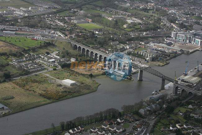 Aerial view of Drogheda looking south west from The Moorings, Greenhills across the Viaduct.  The train station to Scotch Hall are also in view. 12/04/05...Photo NEWSFILE/Fran Caffrey.(Photo credit should read Fran Caffrey/NEWSFILE)....This Picture has been sent you under the condtions enclosed by:.Newsfile Ltd..The Studio,.Millmount Abbey,.Drogheda,.Co Meath..Ireland..Tel: +353(0)41-9871240.Fax: +353(0)41-9871260.GSM: +353(0)86-2500958.email: pictures@newsfile.ie.www.newsfile.ie.FTP: 193.120.102.198...This picture is from Fran Caffrey@newsfile.ie