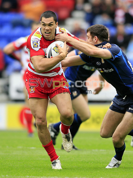 PIX: Chris Mangnall/SWPIX. Rugby League: Wigan Warriors V Hull FC 26/05/07....COPYWRITEPICTURE>> SimonWilkinson >>01943 608782....Wigan's David Vaealiki tackled by Hull's Craig Hall