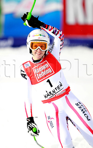 08 01 2012  Ski Alpine FIS WC Bath Kleinkirchheim Super G for women Bath Kleinkirchheim Austria  Picture shows the cheering from Regina Mader AUT