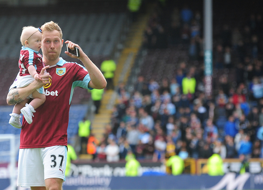 Burnley's Scott Arfield acknowledges the fans on the lap of honour<br /> <br /> Photographer Andrew Vaughan/CameraSport<br /> <br /> The Premier League - Burnley v West Ham United - Sunday 21st May 2017 - Turf Moor - Burnley<br /> <br /> World Copyright &copy; 2017 CameraSport. All rights reserved. 43 Linden Ave. Countesthorpe. Leicester. England. LE8 5PG - Tel: +44 (0) 116 277 4147 - admin@camerasport.com - www.camerasport.com