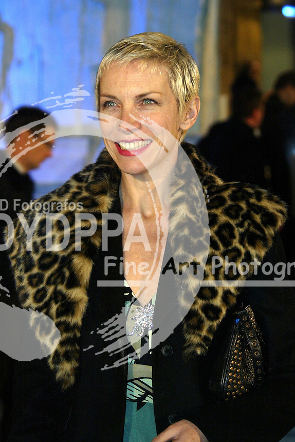 "Eurythmincs singer Annie Lennox attends the Worldpremiere and Royal Film Performance 2005 of ""Die Chroniken von Narnia: Der König von Narnia / The Chronicles of Narnia: The Lion, the Witch and the Wardrobe"" at the Royal Albert Hall, london"
