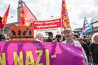 """Ueber 1.000 Rechtsextreme aus mehreren Bundeslaendern demonstrieren am Samstag den 19. August 2017 in Berlin zum Gedenken an den Hitler-Stellvertreter Rudolf Hess.<br /> Rudolf Hess hatte am 17. August 1987 im Alliierten Kriegsverbrechergefaengnis in Berlin Spandau Selbstmord begangen. Seitdem marschieren Rechtsextremisten am Wochenende nach dem Todestag mit sog. """"Hess-Maerschen"""".<br /> Weit ueber 1.000 Menschen protestierten gegen den Aufmarsch der Rechtsextremisten und stoppten den Hess-Marsch nach 300 Metern mit Sitzblockaden. Der rechtsextreme Aufmarsch wurde daraufhin von der Polizei umgeleitet.<br /> Aus dem Aufmarsch wurden mehrfach Gegendemonstranten angegriffen, mindestens ein Neonazi wurde festgenommen.<br /> Rechts im Bild: Prof. Heinrich Fink, ehem. Direktor der Berliner Humboldt-Universitaet.<br /> 19.8.2017, Berlin<br /> Copyright: Christian-Ditsch.de<br /> [Inhaltsveraendernde Manipulation des Fotos nur nach ausdruecklicher Genehmigung des Fotografen. Vereinbarungen ueber Abtretung von Persoenlichkeitsrechten/Model Release der abgebildeten Person/Personen liegen nicht vor. NO MODEL RELEASE! Nur fuer Redaktionelle Zwecke. Don't publish without copyright Christian-Ditsch.de, Veroeffentlichung nur mit Fotografennennung, sowie gegen Honorar, MwSt. und Beleg. Konto: I N G - D i B a, IBAN DE58500105175400192269, BIC INGDDEFFXXX, Kontakt: post@christian-ditsch.de<br /> Bei der Bearbeitung der Dateiinformationen darf die Urheberkennzeichnung in den EXIF- und  IPTC-Daten nicht entfernt werden, diese sind in digitalen Medien nach §95c UrhG rechtlich geschuetzt. Der Urhebervermerk wird gemaess §13 UrhG verlangt.]"""