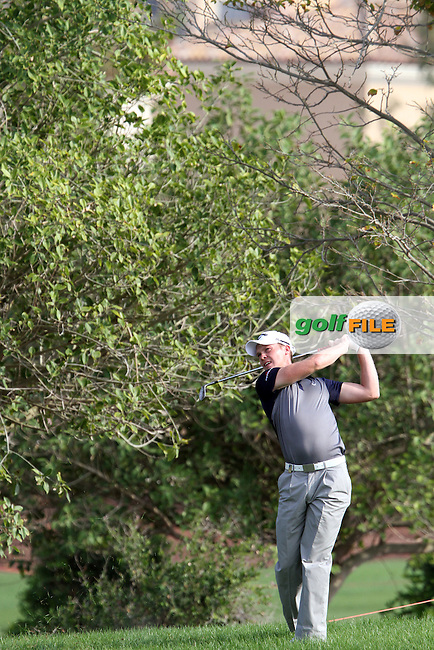 Danny Willett (ENG) on the 1st during Round 2 of the DP World Tour Championship, Jumeirah Golf Estates, Dubai, United Arab Emirates. 23/11/12...(Photo Jenny Matthews/www.golffile.ie)