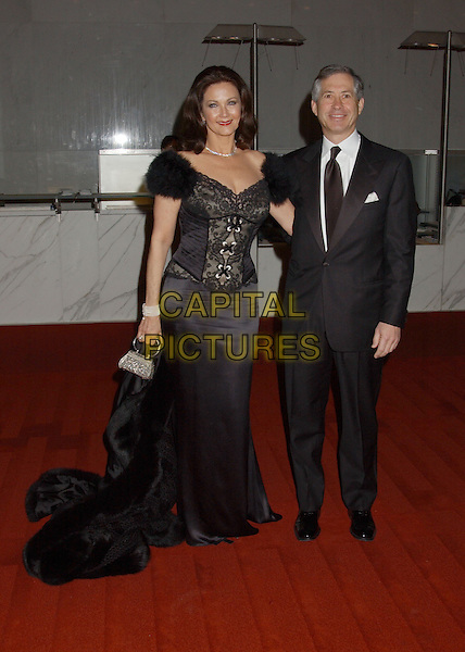 LYNDA CARTER & ROBERT ALTMAN.28th Annual Kennedy Center Honors held at the State Department. Washington D.C.USA, United States.3rd December 2005.Ref:ADM/LF.full length with together black lace corset top fur trim shoulders silk satin long skirt red lipstick make-up tuxedo.www.capitalpictures.com.sales@capitalpictures.com.© Capital Pictures..