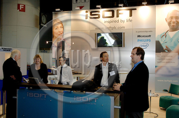 GENEVA - SWITZERLAND 12. 10. 2006 -- The World of Health IT. Exhibition: iSoft -- PHOTO: GORM K. GAARE / EUP- IMAGES ...