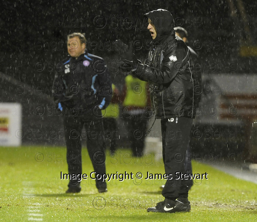 17/01/2009  Copyright Pic: James Stewart.File Name : sct_jspa09_hamilton v ict.CRAIG BREWSTER WATCHES HIS SIDE GO DOWN TO ANOTHER DEFEAT AT HAMILTON.James Stewart Photo Agency 19 Carronlea Drive, Falkirk. FK2 8DN      Vat Reg No. 607 6932 25.Studio      : +44 (0)1324 611191 .Mobile      : +44 (0)7721 416997.E-mail  :  jim@jspa.co.uk.If you require further information then contact Jim Stewart on any of the numbers above.........