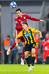 07.11.2018, Allianz Arena, Muenchen, GER, UEFA CL, FC Bayern Muenchen (GER) vs AEK Athen (GRC), Gruppe E, UEFA regulations prohibit any use of photographs as image sequences and/or quasi-video, im Bild Mats Hummels (FCB #5) im kampf mit Ezequiel Ponce (AEK Athen #22) <br /> <br /> Foto © nordphoto / Straubmeier