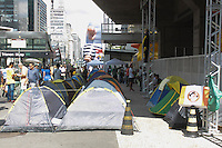 SÃO PAULO,SP, 21.03.2016 - PROTESTO-DILMA - Manifestantes contrario ao governo Dilma Rousseff durante ato pelo impeachment da presidente na avenida Paulista em São Paulo, nesta segunda-feira,21 (Foto: Adar Rodrigues/Brazil Photo Press)