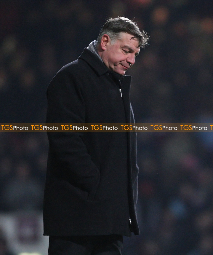A dejected West Ham manager Sam Allardyce - West Ham United vs Queens Park Rangers, Barclays Premier League at Upton Park, West Ham - 19/01/13 - MANDATORY CREDIT: Rob Newell/TGSPHOTO - Self billing applies where appropriate - 0845 094 6026 - contact@tgsphoto.co.uk - NO UNPAID USE.
