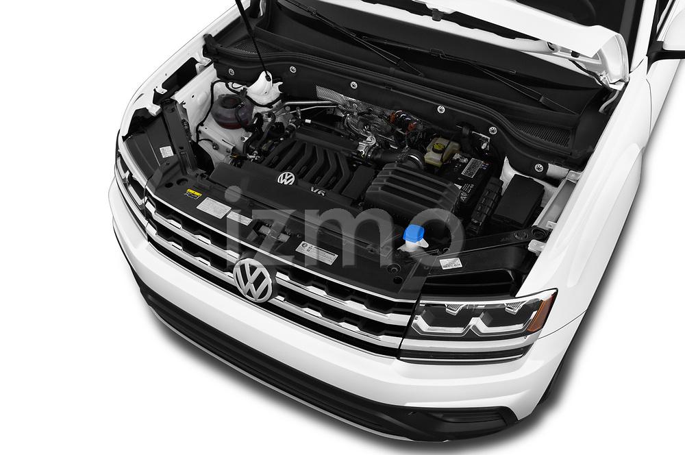 Car stock 2019 Volkswagen Atlas SE 5 Door SUV engine high angle detail view