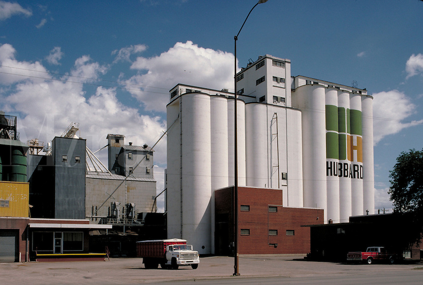 A big Hubbard grain elevator. agricultural structures, storage. South Dakota.