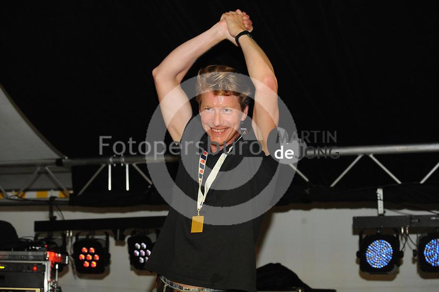 ZEILSPORT: LEMMER: 26-08-2017, IFKS Skûtsjesilen huldiging, Winnaar A klasse Merijn Olsthoorn ( skûtsje Emanuel), ©foto Martin de Jong