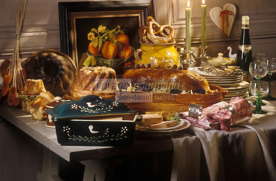 Gastronomie générale/Repas de Réveillon: Noêl Alsacien: Terrine de foie gras  au riesling, oie rotie aux cerises et spatzle, kouglof et biscuits