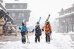 Aspen's Shortest Ski Gang