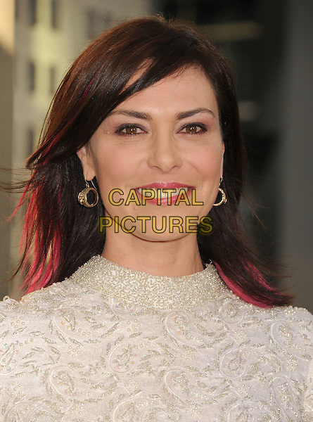 "Michelle Forbes.HBO's ""The Newsroom"" Los Angeles Premiere held at The Cinerama Dome, Hollywood, California, USA..June 20th, 2012.headshot portrait white   beads beaded dyed pink hair streaks .CAP/ROT/TM.©Tony Michaels/Roth Stock/Capital Pictures"