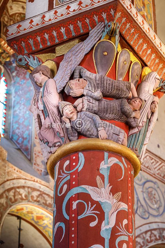 France, Puy de Dome, Issoire, Saint Austremoine abbatial church dated 12th century, sculptured capital representing the Resurection des gardes endormis // France, Puy-de-Dôme (63), Issoire, abbatiale romane Saint-Austremoine du XIIe siècle, chapiteau de la Résurection des gardes endormis
