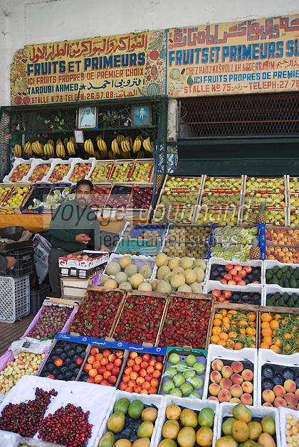 Afrique/Afrique du Nord/Maroc /Casablanca: le marché central boulevard Mohammed V étal d'un marchand de fruits et légumes