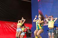 SAO PAULO, 19 DE JUNHO DE 2013. SHOW ANITTA - CONCENTRA SP - VALE DO ANHANGABAU. A cantora Anitta durante apresentação no evento Concentra SP. A cantora se apresentou antes do jogo Brasil e México, no Vale do Anhangabaú. FOTO ADRIANA SPACA/BRAZIL PHOTO PRESS.