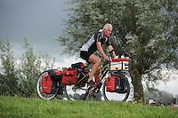 SNEEK-Bolsward: 30-08-2014, De eenzame fietser (met hond), ©foto Martin de Jong