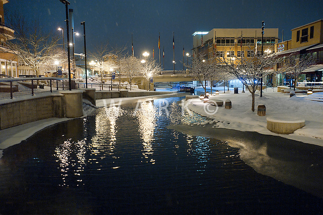 night snow storm on Pueblo's riverwalk