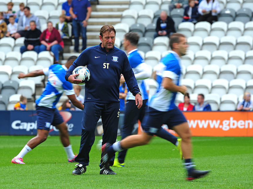 Preston North End&rsquo;s first team coach Steve Thompson during the pre-match warm-up <br /> <br /> Photographer Chris Vaughan/CameraSport<br /> <br /> Football - The Football League Sky Bet Championship - Preston North End v Ipswich Town - Saturday 22nd August 2015 - Deepdale - Preston<br /> <br /> &copy; CameraSport - 43 Linden Ave. Countesthorpe. Leicester. England. LE8 5PG - Tel: +44 (0) 116 277 4147 - admin@camerasport.com - www.camerasport.com