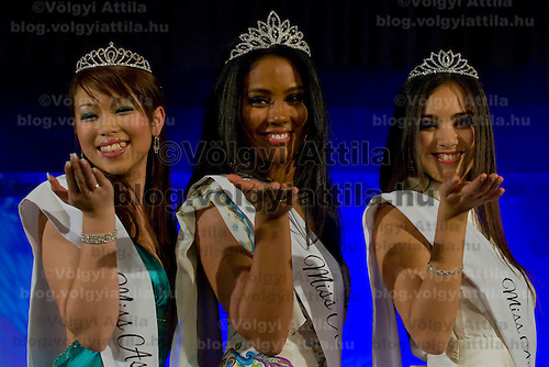 Jeuoy Nathalie (center), Van Kiet Hoa Sandra (left), Viktoria Nguyen Viet (right) winners of the Miss Asia Europe beauty contest held in Budapest, Hungary, Saturday, 05. December 2009. ATTILA VOLGYI