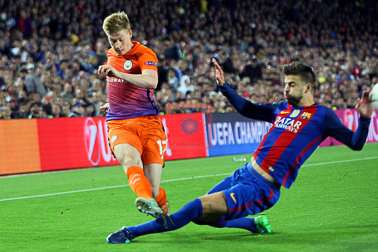 UEFA Champions League 2016/2017 - Matchday 3.<br /> FC Barcelona vs Manchester City FC: 4-0.<br /> Kevin De Bruyne vs Gerard Pique.